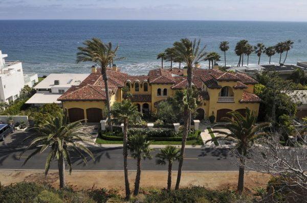 buy house in Malibu