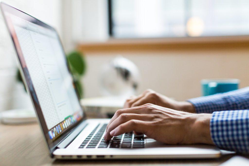 Online website listing directory